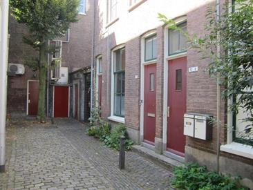 Kamer in Arnhem, Vissteeg op Kamernet.nl: STUDIO met CV en gebruik van gezamenlijke fietsenberging