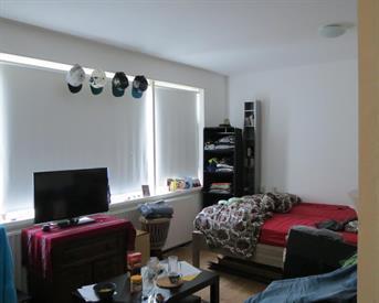 Kamer in Amsterdam, Daniel Defoelaan op Kamernet.nl: Nette kamer in studenten flat, ongemeubileerd