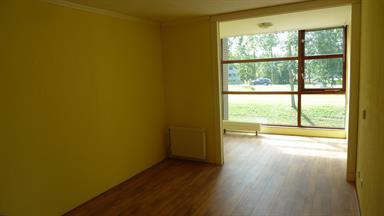 Kamer in Almere, Anjerstraat op Kamernet.nl: Ruime zonnige kamer (ZW) met vrij uitzicht