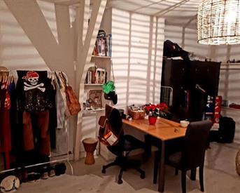 Kamer in Den Haag, Regentesseplein op Kamernet.nl: Ruime kamer(s) in gezellig vrouwenhuis