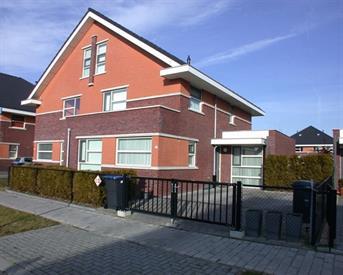 Kamer in Lelystad, Fraeylemaborg op Kamernet.nl: Grote studio 75m2, tuin aan het water, Landerijen