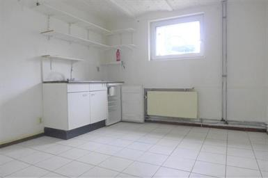Kamer in Maastricht, Tongerseweg op Kamernet.nl: Leuke kamer met eigen keukenblok in het souterrain