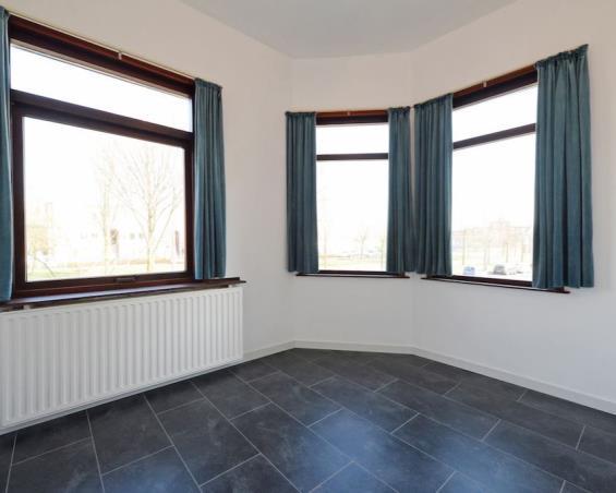 Kamer aan Loosduinsekade in Den Haag