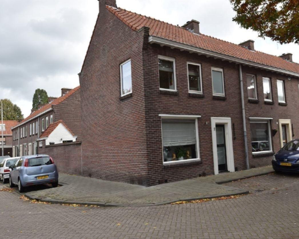 Kamer te huur in de Frans de Basstraat in Tilburg