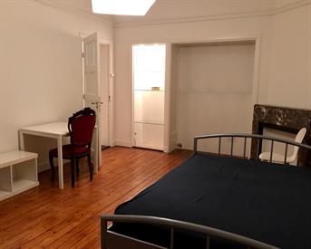 Kamer in Amsterdam, Reinier Claeszenstraat op Kamernet.nl: WEST/ Gezocht dame voor deel apartement