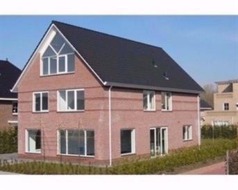 Kamer in Lelystad, Bingerden op Kamernet.nl: Luxe en ruime kamer in vrijstaande villa.