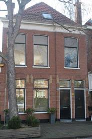 Kamer in Den Haag, Badhuisweg op Kamernet.nl: Ruime gemeubileerde 4 kamerwoning