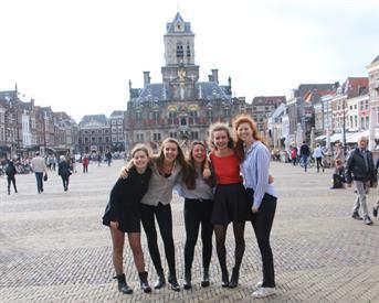 Kamer in Delft, Julianalaan op Kamernet.nl: Onderhuur in studentenhuis van 6 meisjes.