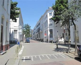 Kamer in Arnhem, Driekoningenstraat op Kamernet.nl: Hoge lichte kamer met eigen balkon