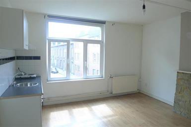 Kamer in Maastricht, Breulingstraat op Kamernet.nl: Leuke L-vormige kamer met eigen kitchenette