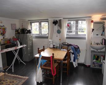 Kamer in Arnhem, Boulevard Heuvelink op Kamernet.nl: Mooie ruime kamer in authentiek herenhuis
