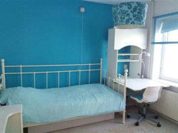 Kamer in Zwolle, Van Houtenlaan op Kamernet.nl: 1 gemeubileerde kamer voor studente 450 euro incl in woonhuis