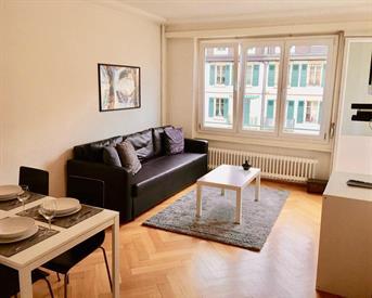 Kamer in Schiedam, Amperestraat op Kamernet.nl: Spacious 1 bedroom renovated flat