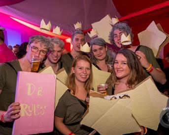 Kamer in Enschede, Oldenzaalsestraat op Kamernet.nl: Kamer in gezellig studentenhuis!