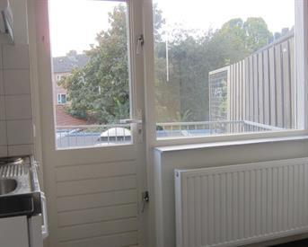 Kamer in Amersfoort, Euterpeplein op Kamernet.nl: Luxe 1-persoons kamer met eigen balkon naast AH