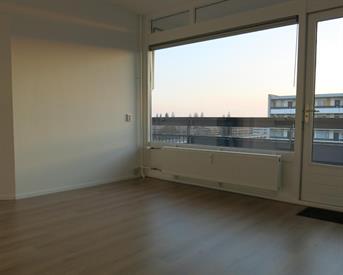Kamer in Arnhem, Gildemeestersplein op Kamernet.nl: Ruime kamer met balkon in gerenoveerd appartement