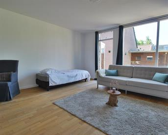 Kamer in Almere, Moergestelstraat op Kamernet.nl: Ground floor renovated apartment with garden