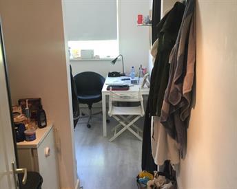 Kamer in Leiden, Lage Rijndijk op Kamernet.nl: Ruime kamer aan de rand van het centrum