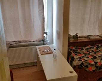 Kamer in Arnhem, Dr. J.C. Hartogslaan op Kamernet.nl: Ruime lichte kamer in een net appartement
