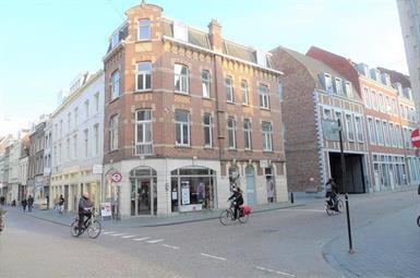 Kamer in Maastricht, Helmstraat op Kamernet.nl: Mooie studio gelegen op de derde etage