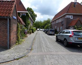 Kamer in Amsterdam, Middeliestraat op Kamernet.nl: Zeer grote kamer met tuin
