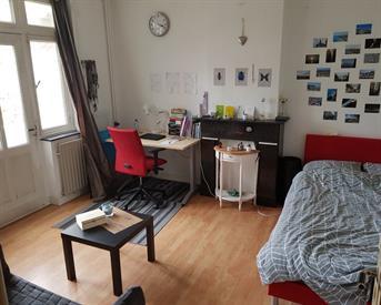 Kamer in Maastricht, Victor de Stuersstraat op Kamernet.nl: Ruime gemeubileerde studentenkamer met balkon