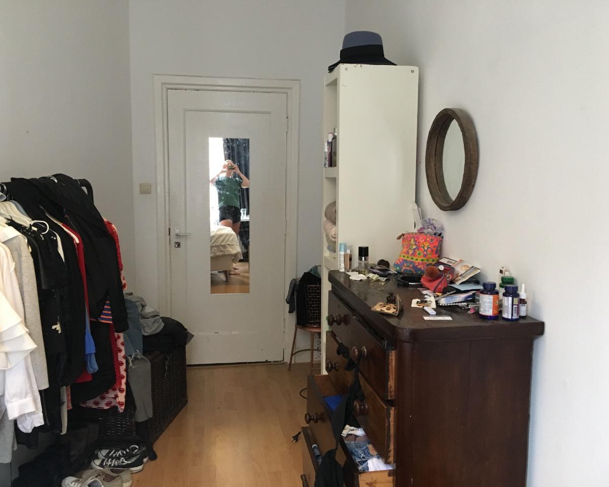 Kamer aan Beursstraat in Amsterdam