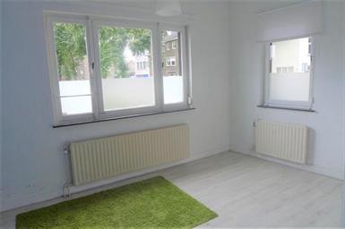 Kamer in Maastricht, Merovingenstraat op Kamernet.nl: Leuke lichte hoekkamer met eigen kichenette