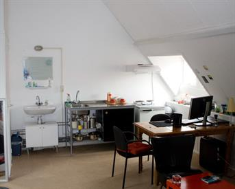 Kamer in Breda, Eikstraat op Kamernet.nl: grote lichte studio met keuken