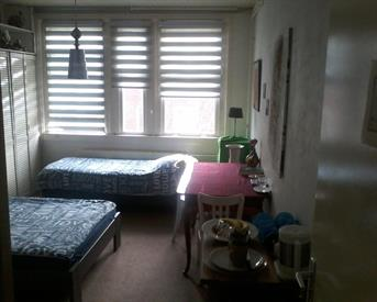 Kamer in Amsterdam, Derde Schinkelstraat op Kamernet.nl: Ruime kamer voor een leuk persoon!