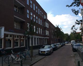 Kamer in Rotterdam, Willem Beukelszstraat op Kamernet.nl: Net gerenoveerde studio, dichtbij tram en metro