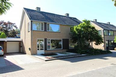 Kamer in Son en Breugel, Azielaan op Kamernet.nl: Royale gemeubileerde 2-onder-1 kap woning