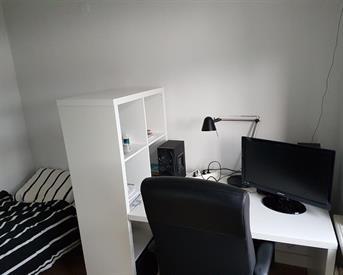 Kamer in Enschede, Voortsweg op Kamernet.nl: Gezellig studentenhuis zoekt mannelijke huisgenoot
