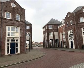 Kamer in Helmond, Laan door de Veste op Kamernet.nl: Luxurious Room in Exclusive Town House