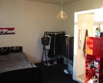Kamer in Leeuwarden, Schoolstraat op Kamernet.nl: Mooie kamers met eigen douche