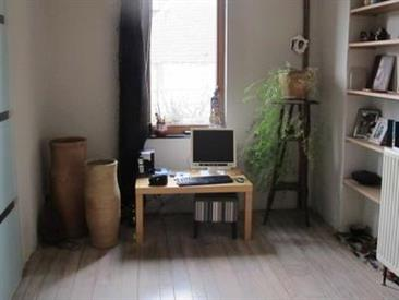 Kamer in Jurbise, Rue Docteur Fontaine op Kamernet.nl: One-slaapkamer appartement van 48 vierkante meter