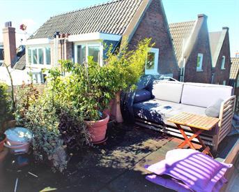 Kamer in Amsterdam, Saxenburgerdwarsstraat op Kamernet.nl: Vondelpark view, roof terrace, bright, quiet resid