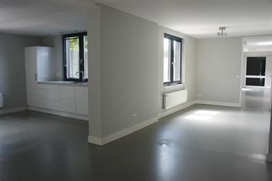 Kamer in Vught, St.-Elisabethstraat op Kamernet.nl: Unieke uitgebouwde woning met garage
