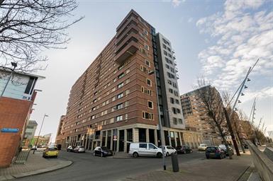 Kamer in Rotterdam, Kees Pijlstraat op Kamernet.nl: RUIM GESTOFFEERD 3-KAMER APPARTEMENT
