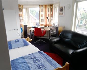 Kamer in Enschede, Toekomststraat op Kamernet.nl: Onderhuur 13m2 €260 Huize Kandinsky