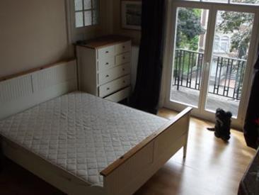 Kamer in Ukkel, Coghenlaan op Kamernet.nl: 1 Kamers te huur min max 2 maanden 15 dagen