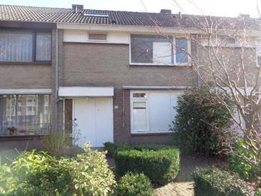 Kamer in Eindhoven, Dr Cuyperslaan op Kamernet.nl: Gemeubileerd studentenhuis gelegen