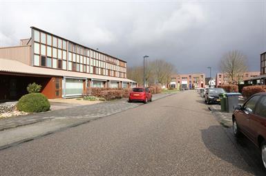 Kamer in Lelystad, Rijnland op Kamernet.nl: Nette afgewerkte en speels ingedeelde ééngezinswoning