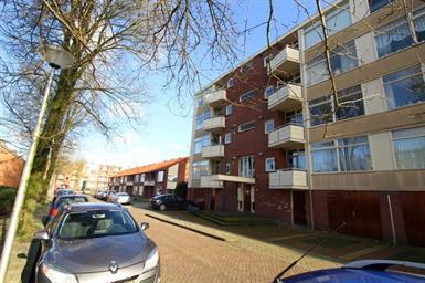 Kamer in Almelo, Jan van Goyenstraat op Kamernet.nl: Leuk gestoffeerd 3-kamer appartement