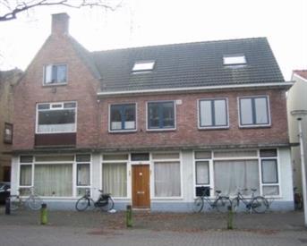 Kamer in Enschede, Drienerweg op Kamernet.nl:  grote kamer aan voorzijde met veel licht inval