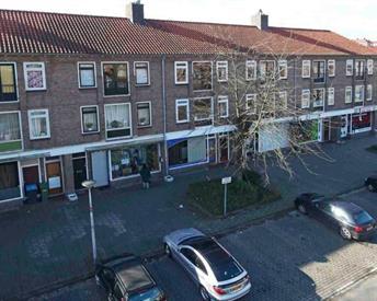 Kamer in Enschede, Schietbaanweg op Kamernet.nl: Grote kamer in gemeubileerd 4-kamer apartet