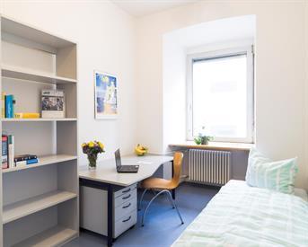 Kamer in Hengelo, Oldenzaalsestraat op Kamernet.nl: Te huur helft van een woonhuis centrum Hengelo