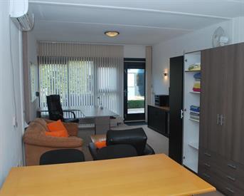 Kamer in Almere, Musicalstraat op Kamernet.nl: Woon/werk studio volledig ingericht
