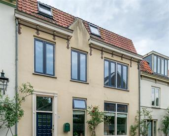 Kamer in Utrecht, Wolvenplein op Kamernet.nl: Fijne studio in binnenstad met dakterras