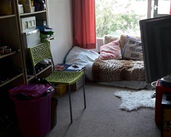 Kamer in Ede, Langenhorst op Kamernet.nl: Mooie kamer 9m2 2e verd. drive-in